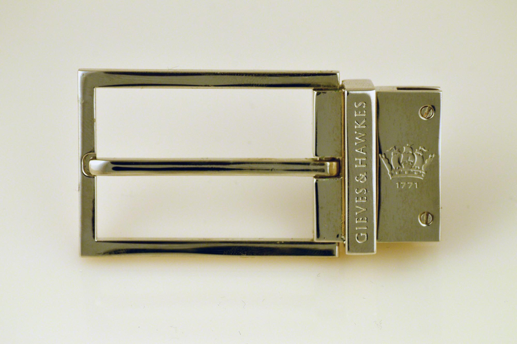 gold belt buckle